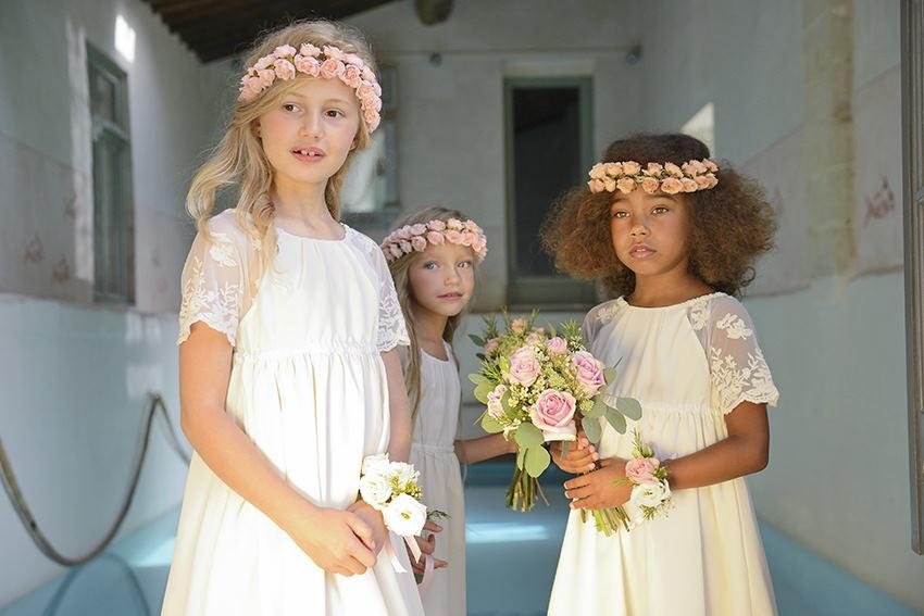 Robe Lucie Et Couronnes Fleuries